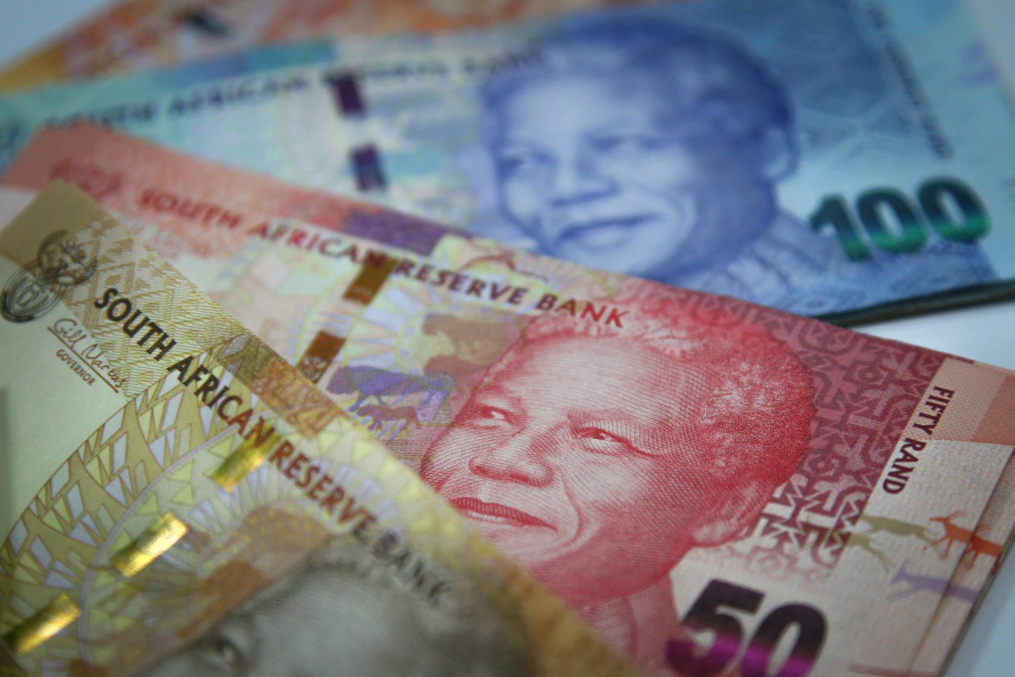 South Africa's rand falls as virus fears hit risk appetite - CNBC Africa