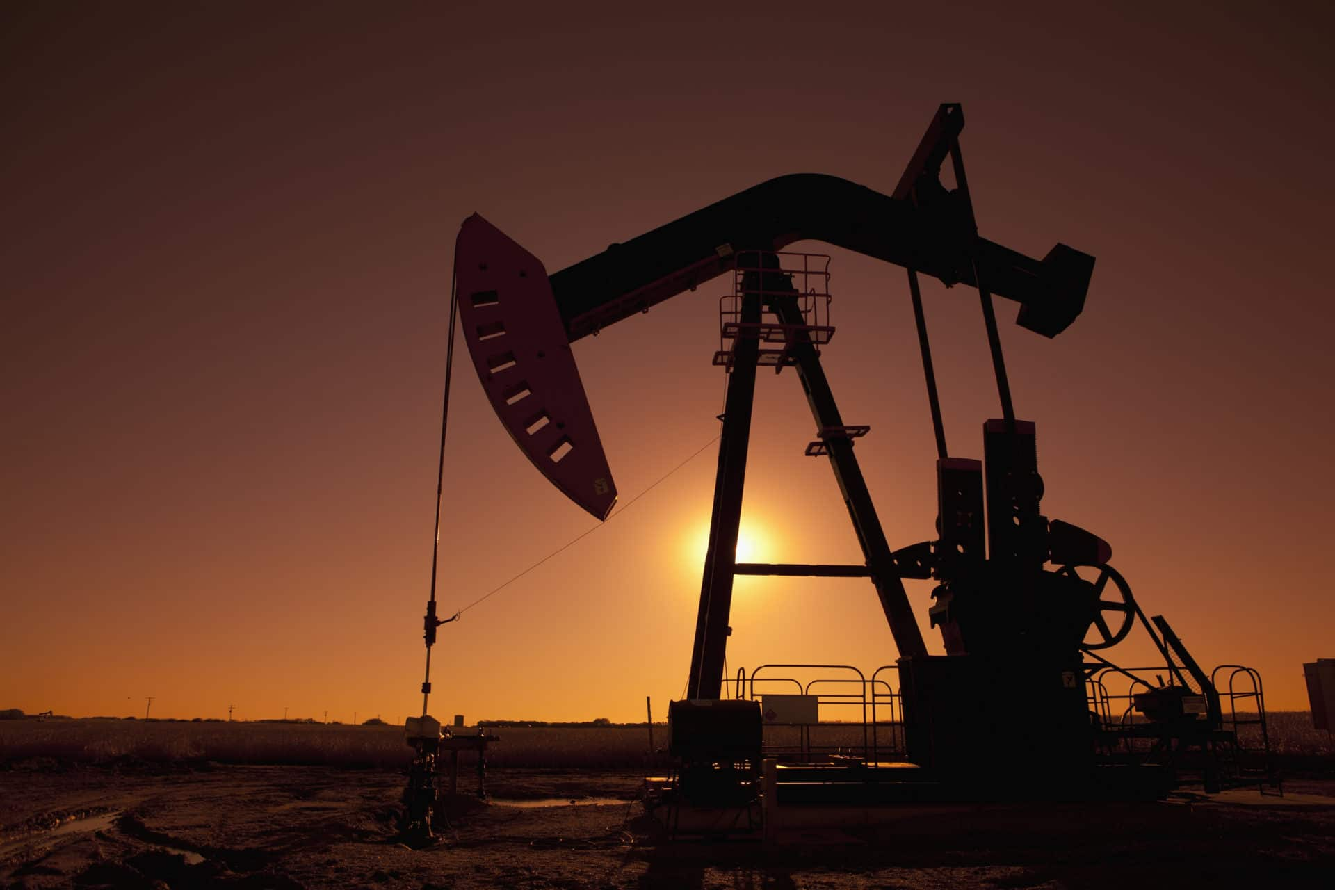 Oil prices dip on mixed supply and demand outlook